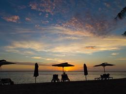 Contemplez un magnifique coucher de soleil depuis Le Nautile