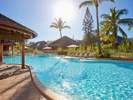 La piscine de l'hôtel Le Récif situé à la Réunion