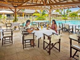 Le restaurant Le Comptoir Sud du Récif Hotel