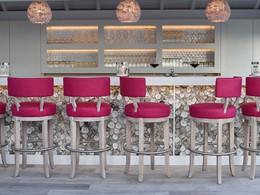 Le bar de l'hôtel Le Toiny situé aux Antilles