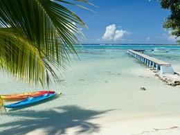 La plage de l'hôtel Les Tipaniers à Moorea