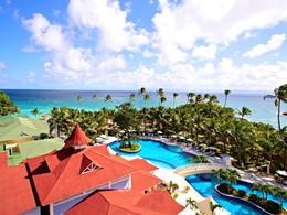 Le Luxury Bahia Principe est un hôtel haut de gamme situé sur un îlot paradisiaque