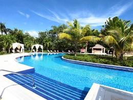 La superbe piscine du Luxury Bahia Principe Cayo Levantado