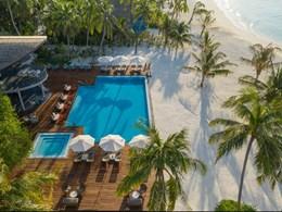 La piscine principale, idéale pour contempler le coucher du soleil