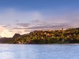 Vue de l'hôtel MAIA Luxury Resort depuis la mer
