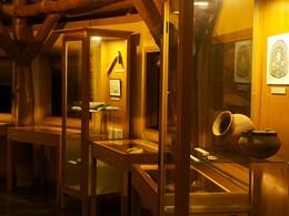 Découvrez les légendes de Huahine au musée de l'hôtel