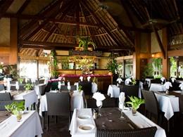 Le restaurant de l'hôtel Maitai Rangiroa, en Polynesie