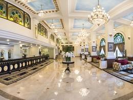 Le lobby de l'hôtel Majestic Saigon au Vietnam