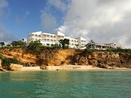 Vue du Malliouhana, un boutique-hôtel situé sur la côte ouest d'Anguilla