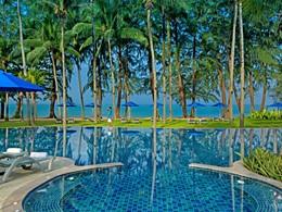 La piscine de l'hôtel Manathai Khao Lak en Thailande