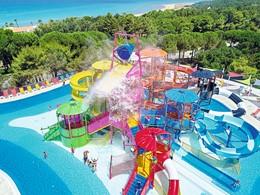 L'immense Aquapark du Mandola Rosa au Péloponnèse