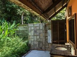 Salle de bain de la Plantation Sea View au Mango Bay