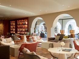 Le lobby à l'architecture contemporaine