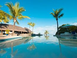 Autre vue de la superbe piscine de l'hôtel Maritim