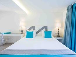 Deluxe Junior Suite Sea Front de l'hôtel Marpunta en Grèce