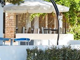 Le restaurant de l'hôtel Marpunta situé en Grèce
