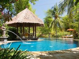 Piscine de la Villa Cempaka du Matahari Beach Resort