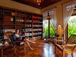 La bibliothèque de l'hôtel Matahari Beach Resort
