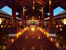 Le lobby du Melati, un hôtel alliant confort moderne et esprit thaï