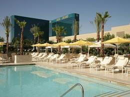 La piscine du MGM Grand, situé dans le quartier le plus réputé de Las Vegas