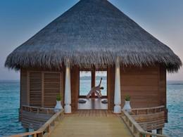 Yoga à l'hôtel 5 étoiles Milaidhoo Island aux Maldives