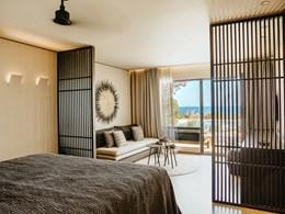 Superior Junior Suite Sharing Pool Ocean View