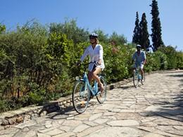 Balade à vélo à l'hôtel Minos Palace en Grèce