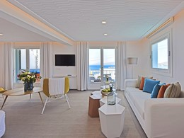 Delos Premium Junior Suite