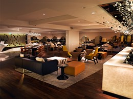 Le lobby de l'hôtel Naumi en plein centre de Singapour