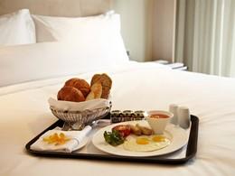 Petit déjeuner à l'hôtel Naumi en plein centre de Singapour