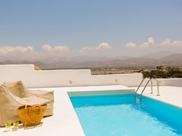 La piscine de Exclusive Exotic Suite