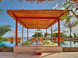 La piscine de la Puncak Villa de l'hôtel Nihi Sumba