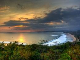 Contemplez un magnifique coucher de soleil depuis le Nihi Sumba