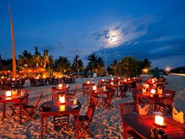 Le Sampan Beach Bar