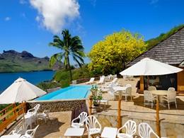 Autre vue de la piscine du Keikahanui Pearl Lodge Nuku Hiva situé sur les Iles Marquises