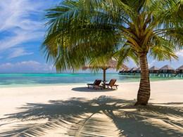 La plage de l'hôtel Olhuveli Beach & Spa Resort