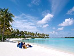 Profitez du soleil des Maldives à l'Olhuveli aux Maldives