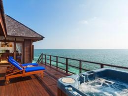 Honeymoon Water Villa de l'hôtel Olhuveli aux Maldives