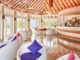 Dhoni Bar de l'hôtel Olhuveli Beach & Spa Resort