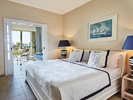 Prestige Guestroom Vue Mer de l'Olympia Riviera Thalasso