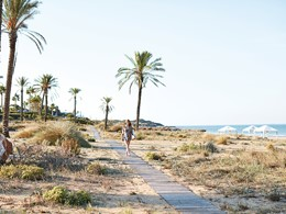 Accédez à la plage exotique