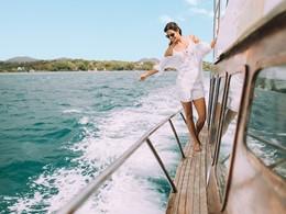 Naviguez sur les eaux claires de l'océan