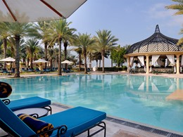La piscine de l'hôtel Royal Mirage à Dubaï