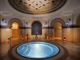 Bain à remous du spa du Royal Mirage à Dubaï