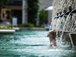 Profitez de la sublime piscine de l'Outrigger à Phuket