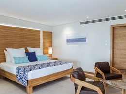 Ocean Beachfront Family Suite