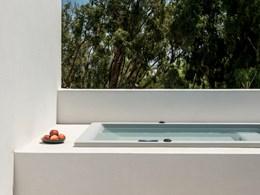 Le bain à remous de la Uranus Suite