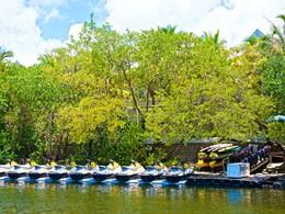 Sports aquatiques du Parrot Key Hotel, aux Etats-Unis