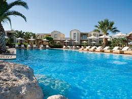 Profitez de la magnifique piscine