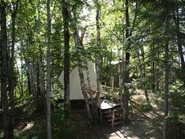 Le Teepee de la Pourvoirie du Cap au Leste au Canada